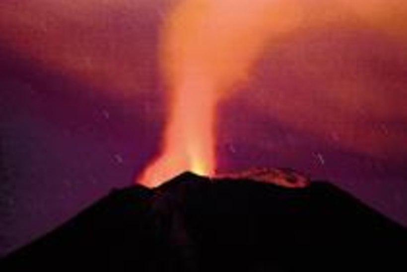 Vulkaanipurse sundis kümned tuhanded inimesed põgenema