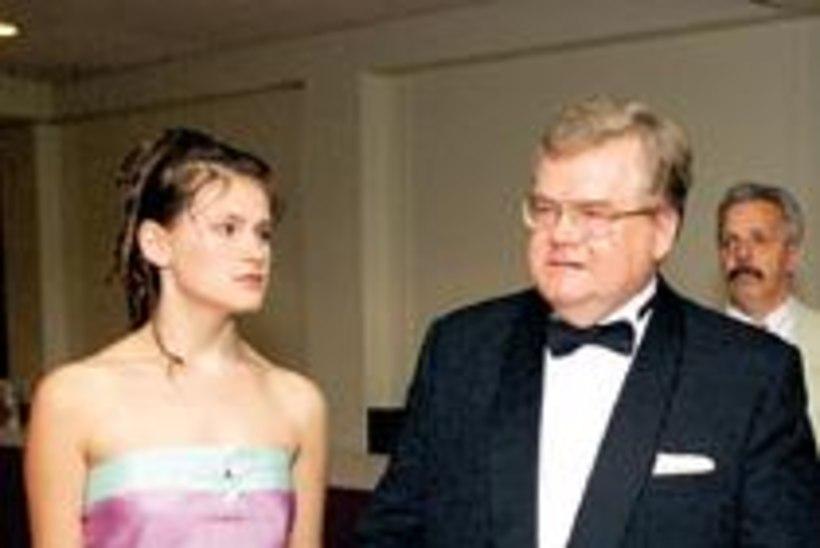 Poliitika ei sega Maria Savisaare abiellumist