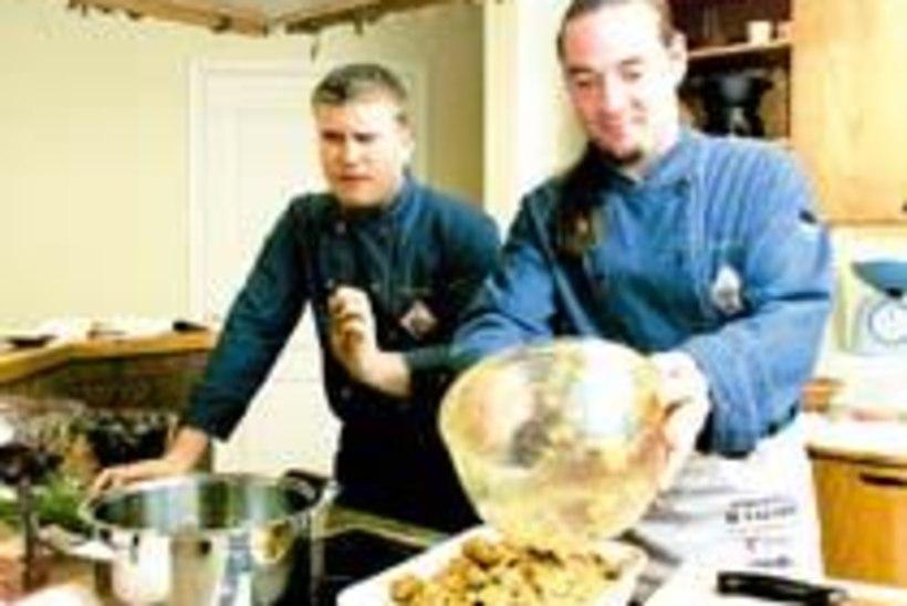 Kaks meest köögis, Lõuna-Aafrika toitudest rääkimata