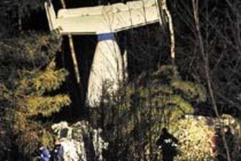 Postilennuk kukkus alla. 2 hukkunud, 1 haavatud