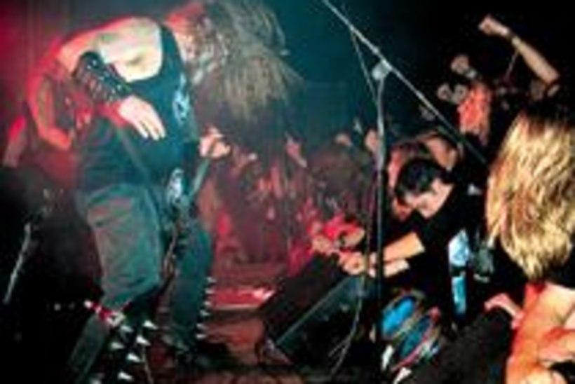 «Behemoth rokkis täiega!»