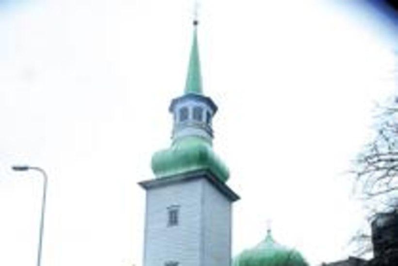 Tuul murdis Tallinna jämedaima puuhiiglase