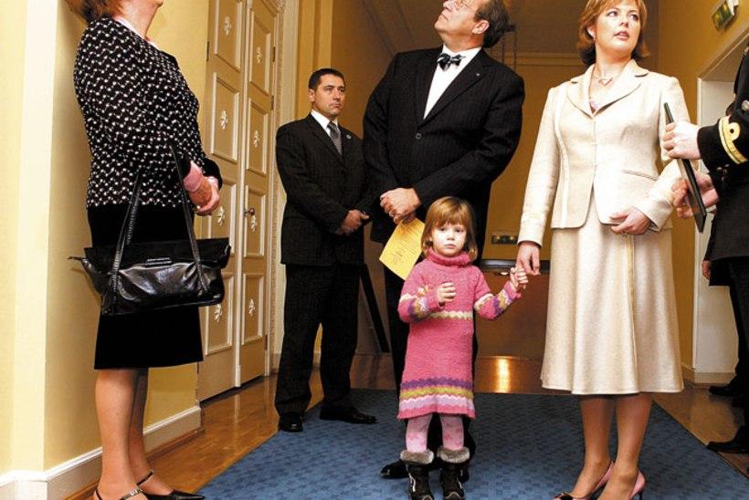 Presidendiproua saab kostüümid maksupetturilt