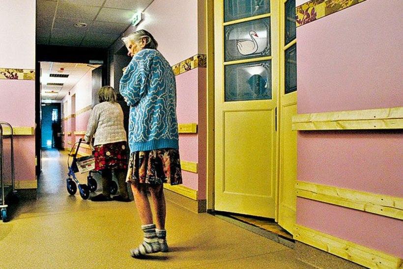 Lastehaiglad suplevad annetuste rahas, aga hooldekodu jäetakse peost suhu elama