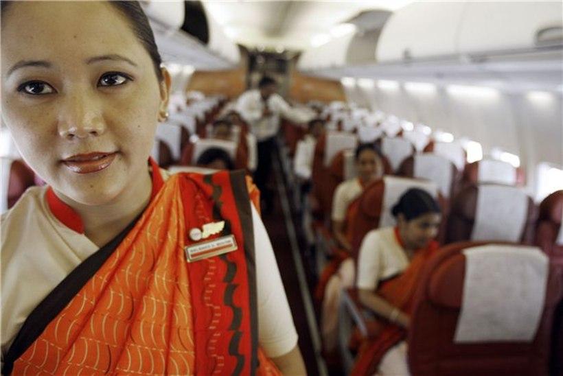 India paksud stjuardessid said töölt kinga
