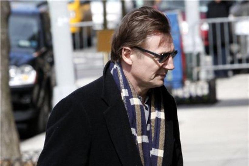 Liam Neeson viis leina trotsides filmivõtted lõpuni