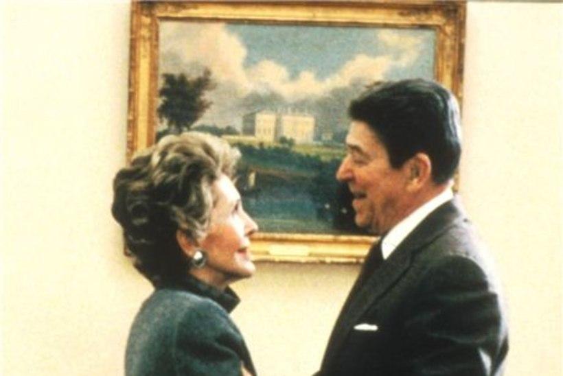 Ronald Reagan ilmutab end Nancyle