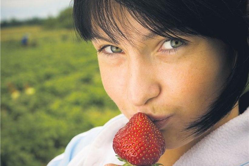 Kükktants maasikavagude vahel