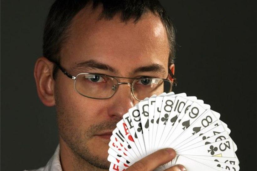 Pokkerimängija Marek Kolk võitis Eesti mõttemängude meistritiitli