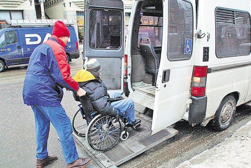 Invatakso juht riskis ratastoolimemme eluga