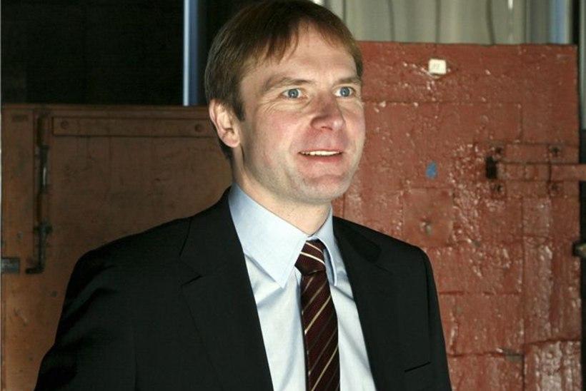 Erik-Niiles Kross: Savisaar on venemeelne kaabakas!