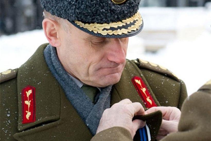 Ants Laaneots sai rinda kaitseministeeriumi kõrgeima aumärgi