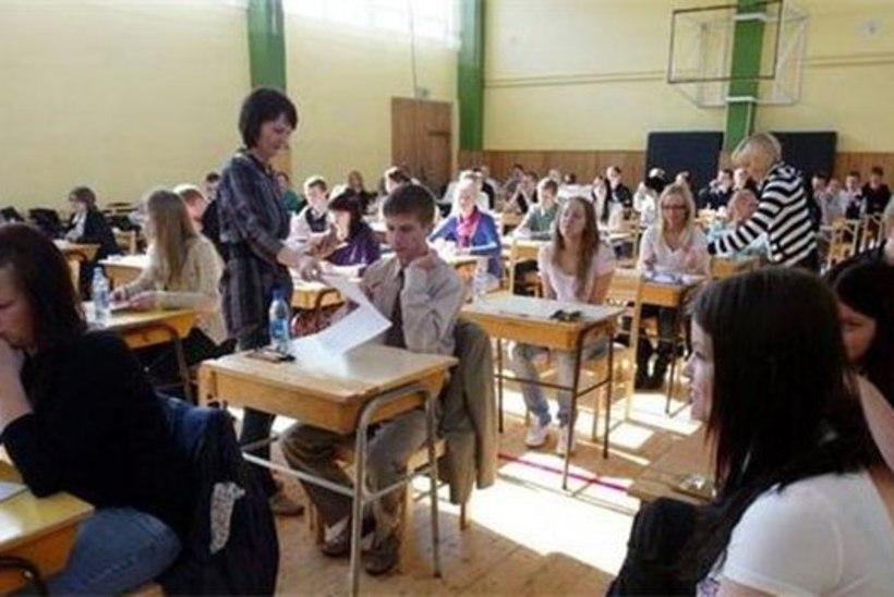 Koolides algavad täna riigieksamid