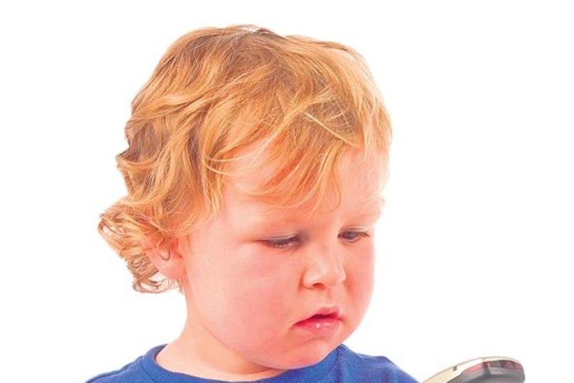 Teadlased: lapsed tuleb mobiilidest eemal hoida
