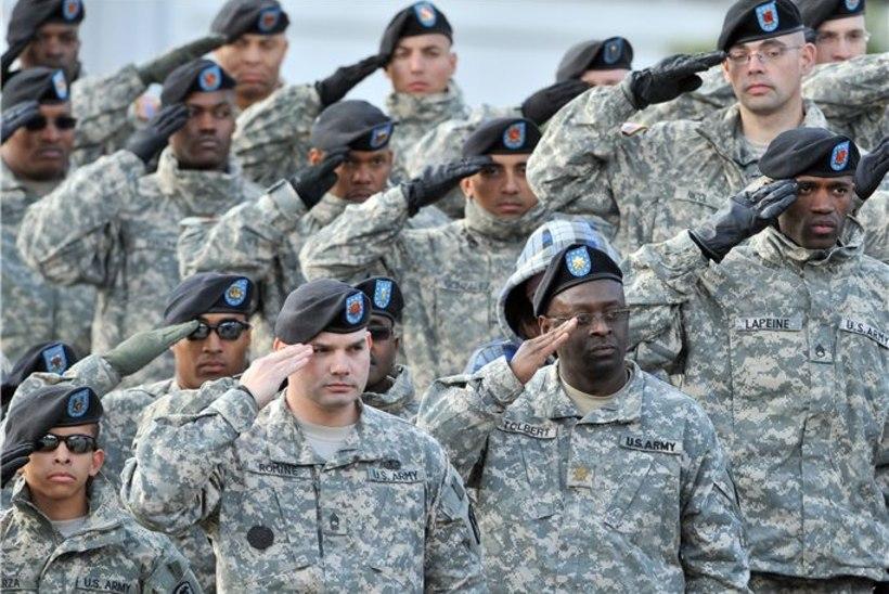 USA armee loobub barettidest nokkmütside kasuks