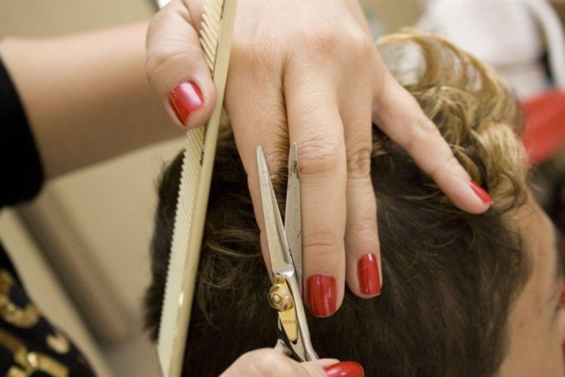 Õpetajad teenivad suvel lisa juuksuri ja ehitajatena