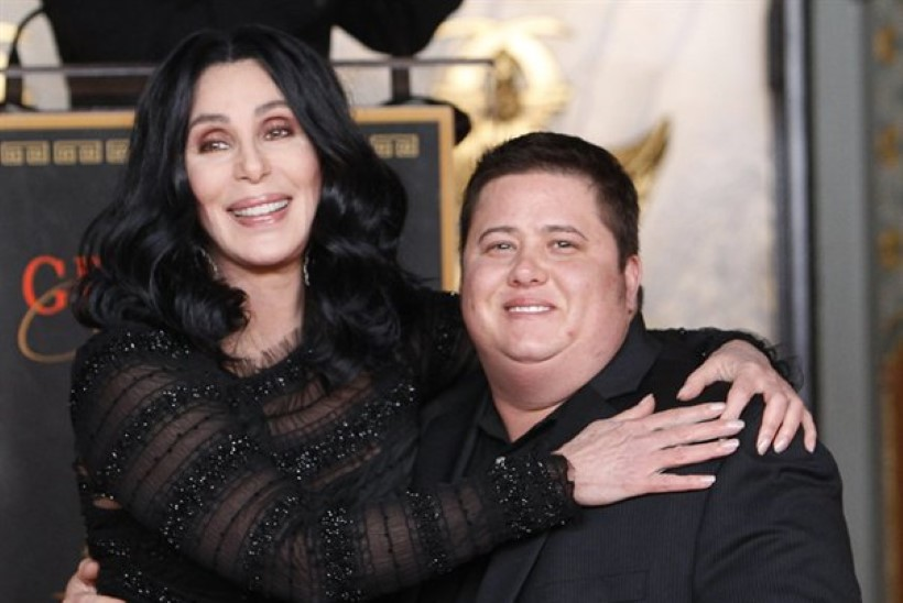 Cher kaitseb sugu muutnud tütart: jätke ta rahule!