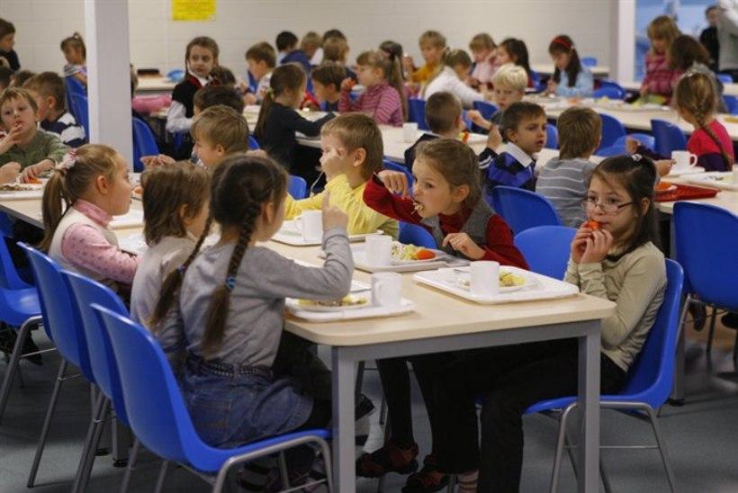f388f8d4e03 Kuressaare Gümnaasium muutis lapsevanemate survel toitlustamisaegu ...