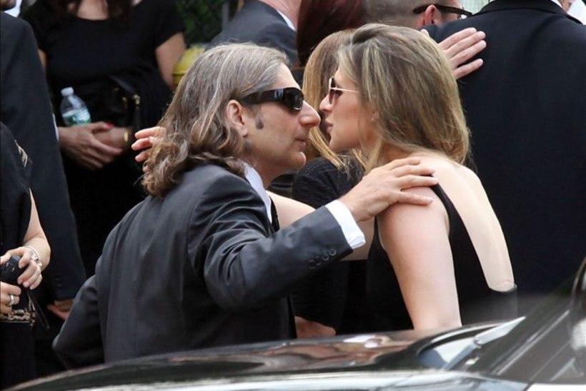 """Gandolfini lesk matusel: """"Ma armastan sind, Jim, ja jään sind alati armastama."""""""