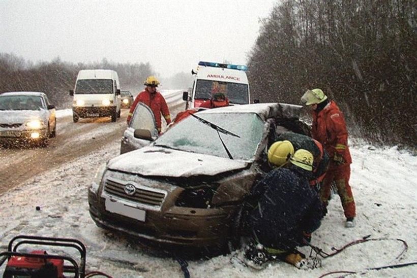 87576ff3147 Tallinna-Paldiski maanteel põrkasid kokku Škoda ja BMW | Õhtuleht