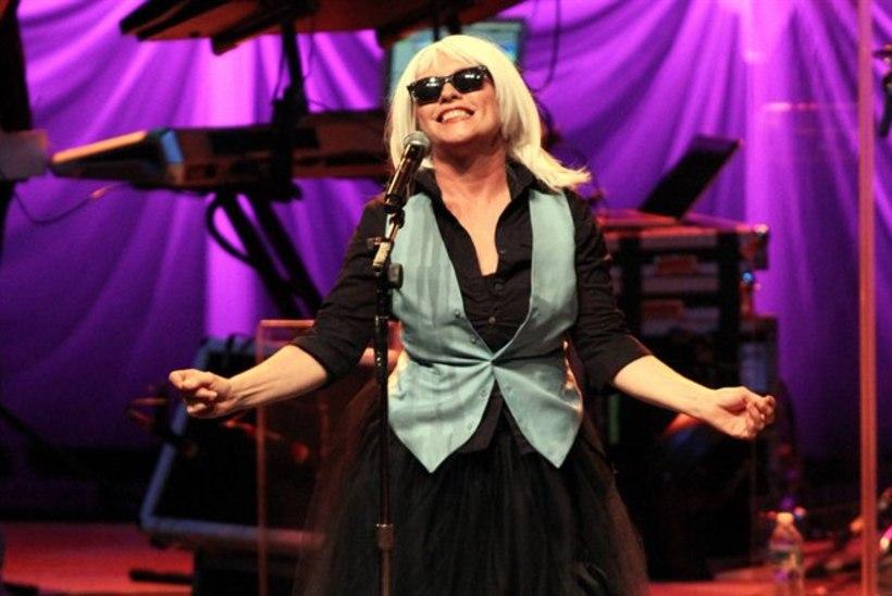 Paparatsod pidasid 66aastast Blondie tähte 25aastaseks Lohaniks!