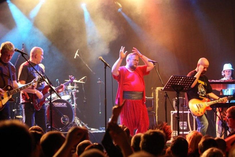 GALERII: Singer Vinger esitles uut albumit