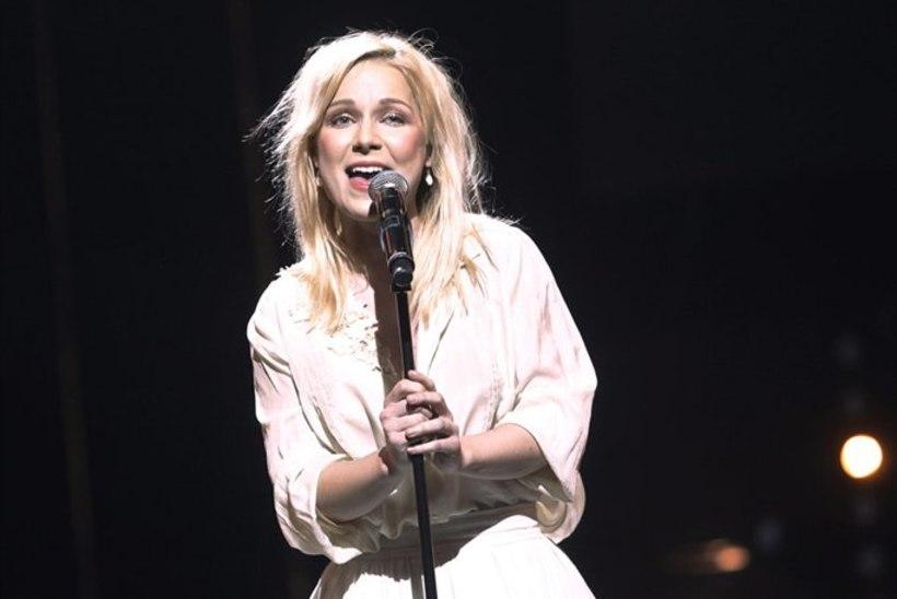 Jõudu, Lenna! Häälepaelte lõikus on laulja jaoks kõige rängem katsumus!