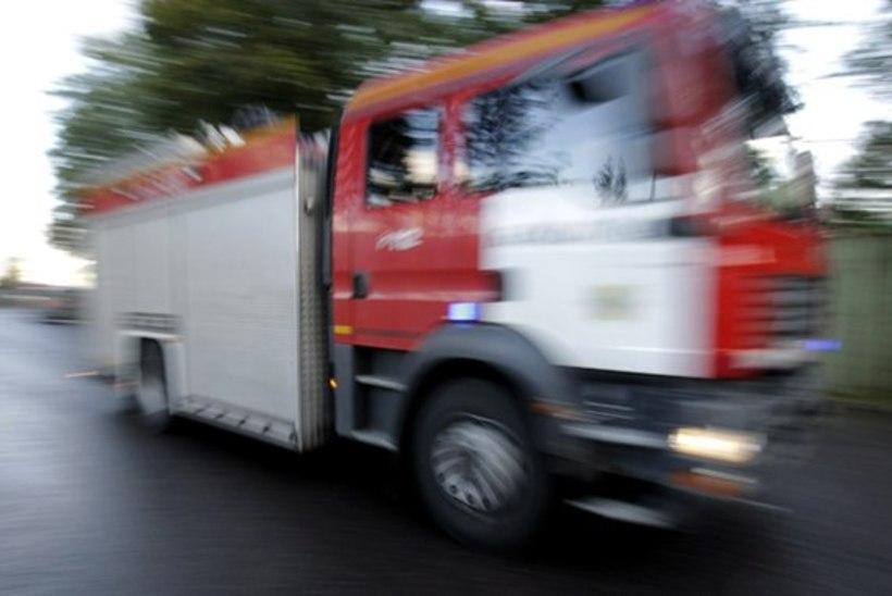 Kus olid vabatahtlikud päästjad? Kaberneeme elumajas puhkes tulekahju, päästeautod saadeti kaugemalt