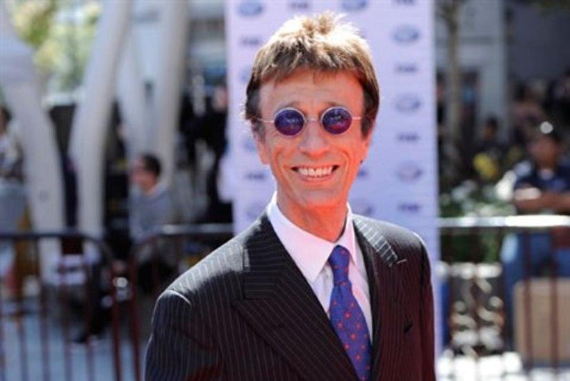 VAPUSTAV: The Bee Geesi laulja ärkas koomast!