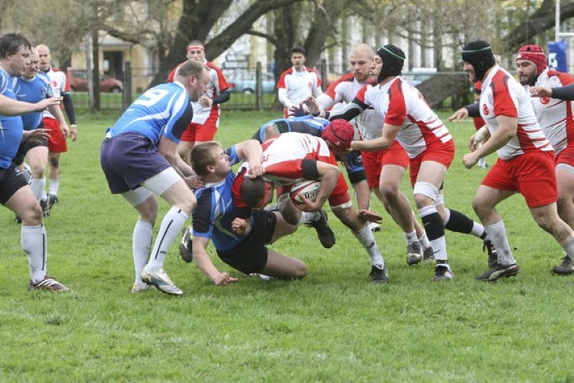 Ragbi – jõrm mudamaadlus või õilsate meeste mäng?