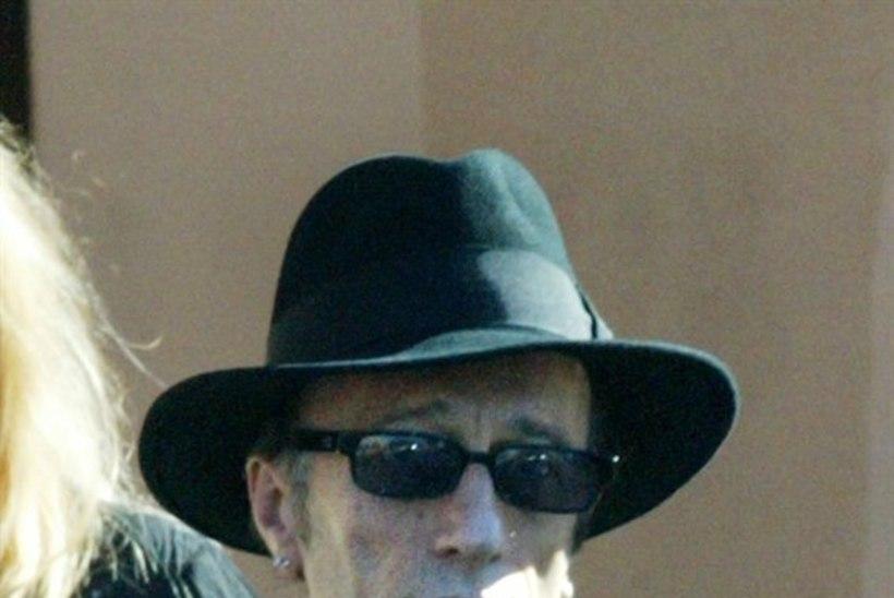 Suri ansambli The Bee Gees liige Robin Gibb