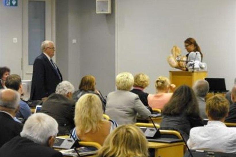 """Savisaar sai linnavolikogu reformierakondlastelt kingiks """"katsejänesed"""""""