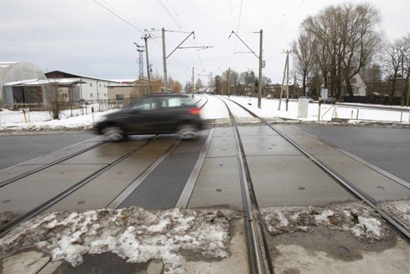 Raudteeülesõidu sulgemine teeb asumi elanikele muret