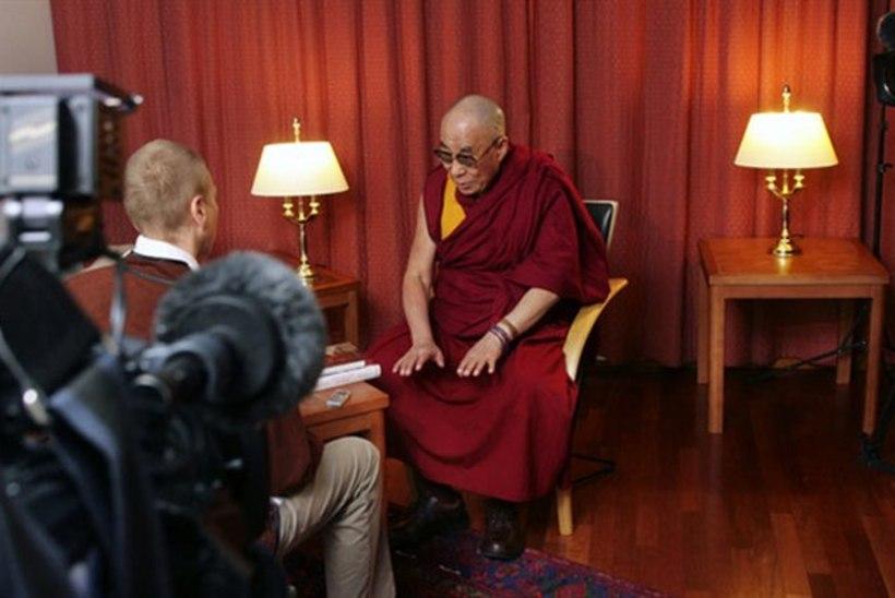 Dalai-laama esitles Indias Roy Strideri Mongoolia-raamatut