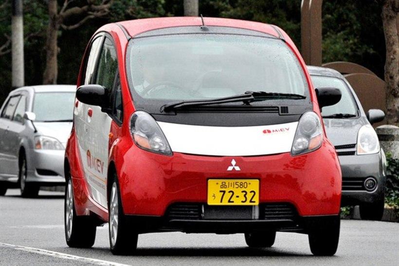 Mitsubishi kutsub tagasi üle 14 000 vigase piduriga elektriautot