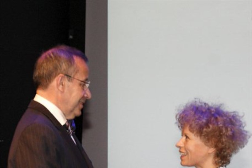Veronika Valk sai presidendilt noore arhitekti preemia