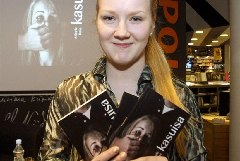 15aastane neiu kirjutas romaani vägistajast: tahtsin teda näidata lapse silmade läbi!