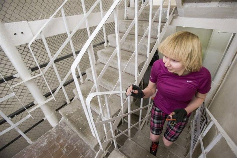 NAISREPORTERI MÕRU UNELM: Teletorni trepijooks! Pole võimalik, ongi läbi?