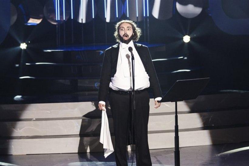 Tanja kehastub Pavarottiks: itaalia keele oskajad saavad teleka ees naerda