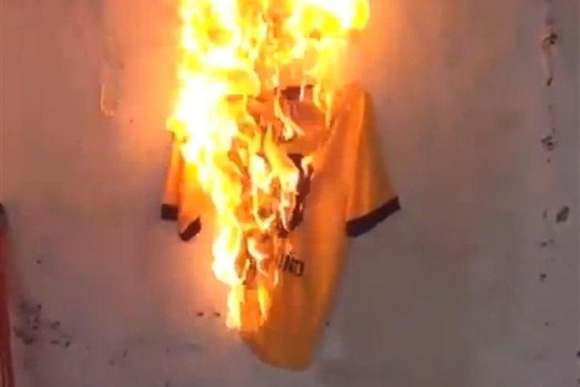 VIDEO: Borussia fännid põletasid tähtsa mängu eel klubi staarmängija särki