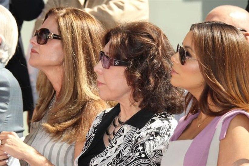 Jane Fonda meenutas jälgede jäädvustamisel isa: nüüd võib Hollywood meist mõlemast igavesti üle kõndida