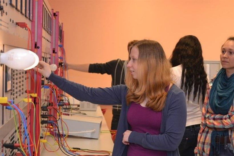 FOTOD: tüdrukud tutvusid automaatiku, poisid õe ametiga