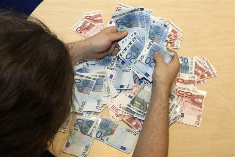 Kohtla-Järve vanaproualt peteti välja 3000 eurot