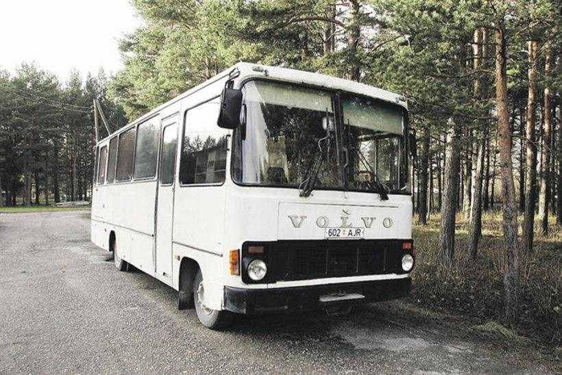 Bussiühendus väikelinnade vahel sureb välja, asumid nende kannul?