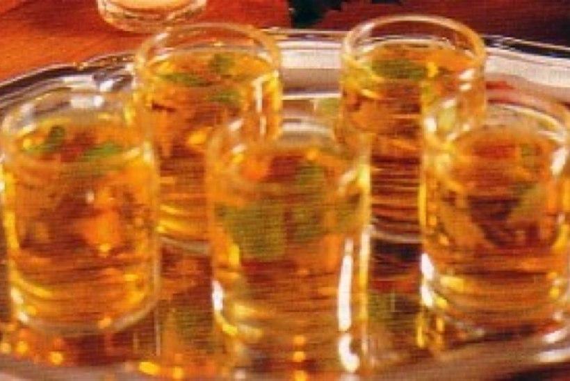 Kuum jõulujook ehk kuum viski mündiga