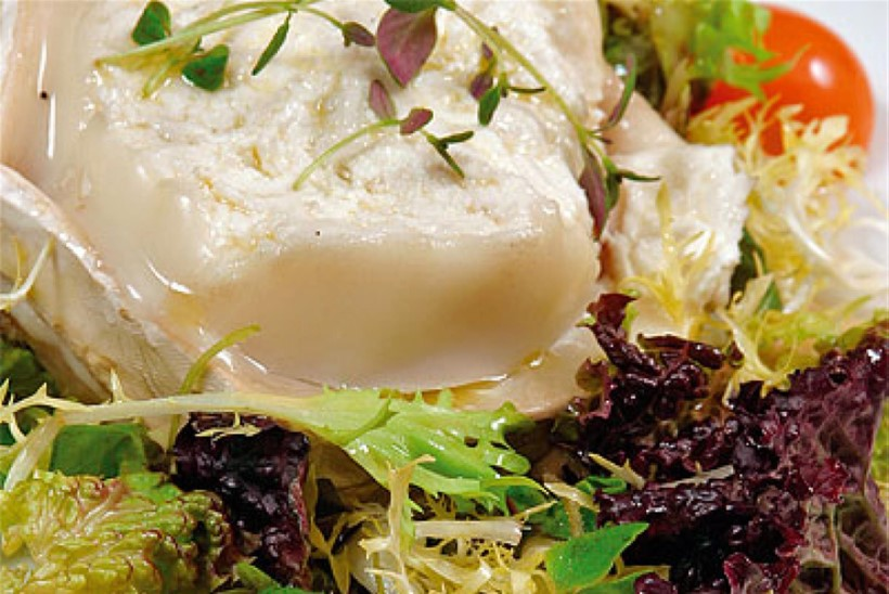 Grillitud kitsejuust rohelise salatiga