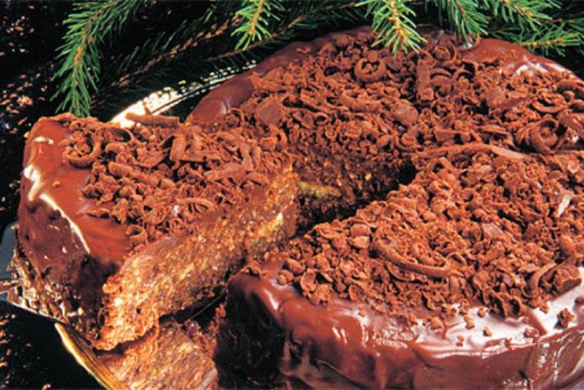 Šokolaaditort vahukommidega