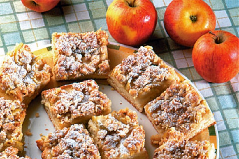 Õunakook mandlipurukattega