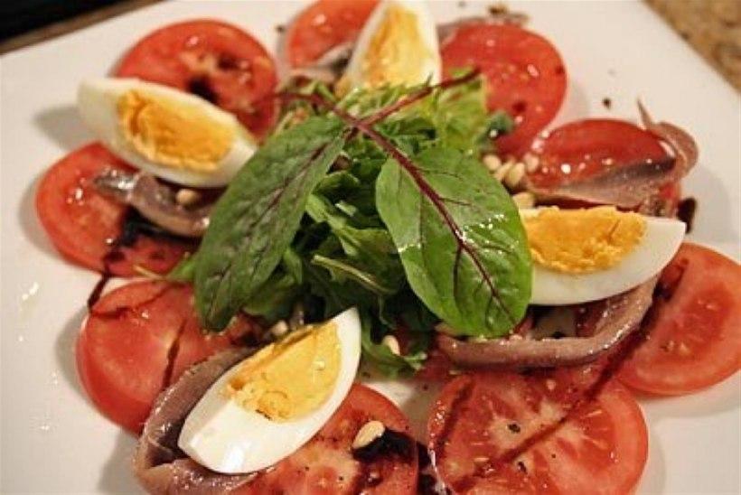 Tomati-anšoovise salat