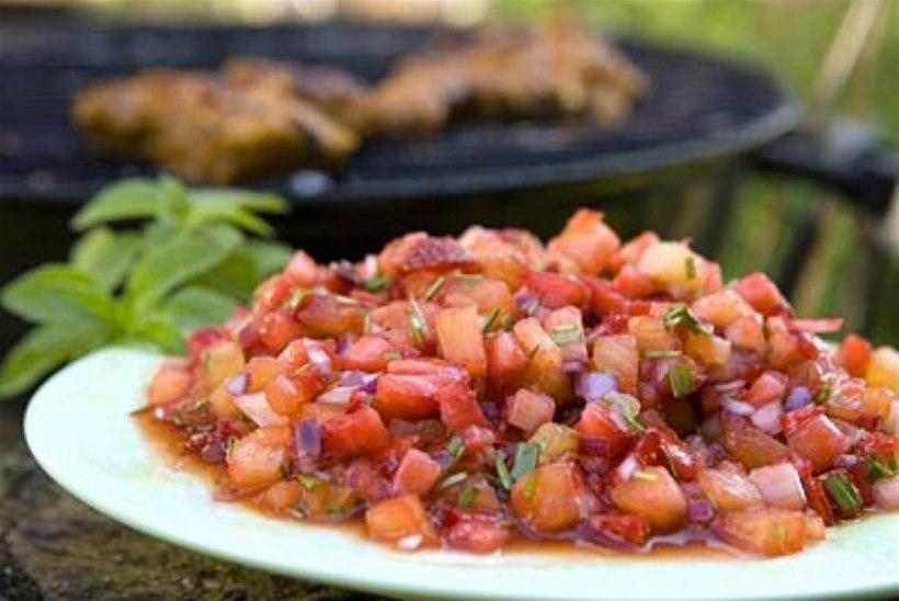 Maasika-ananassisalsa